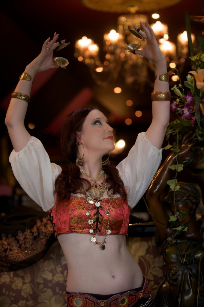 Melusina Belly Dancer with Zills